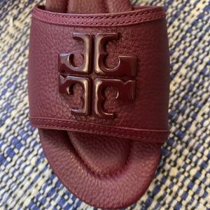 New in box Tory Burch Plum Wedge Sandals size 9
